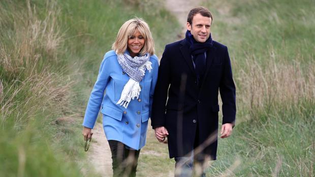Brigitte Trogneux junto a Emmanuel Macron