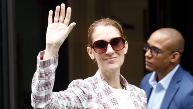 Céline Dion durante la Semana de la Moda en París