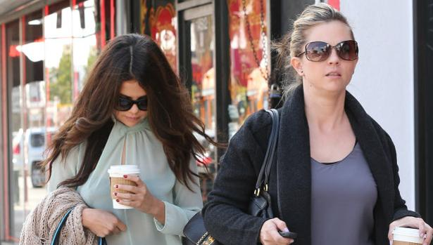 Selena Gomez junto a su madre