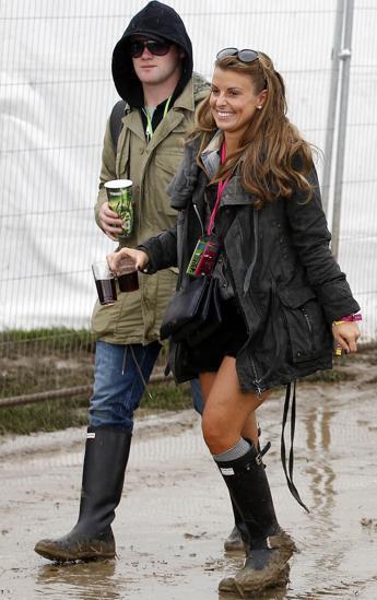 El futbolista Wayne Rooney con su esposa en Glastonbury 6aa6d6ee120