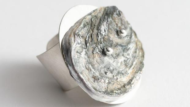 &Other Stories lanzará el próximo 21 de mayo una colección de joyas que retoma las conchas de ostra