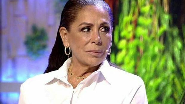 Isabel Pantoja, en el plató de «Supervivientes»