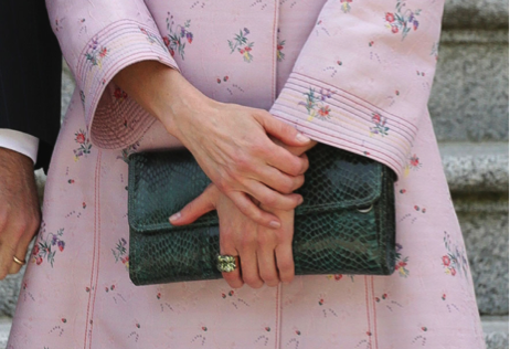 Diseño Lidia Faro en color verde oliva