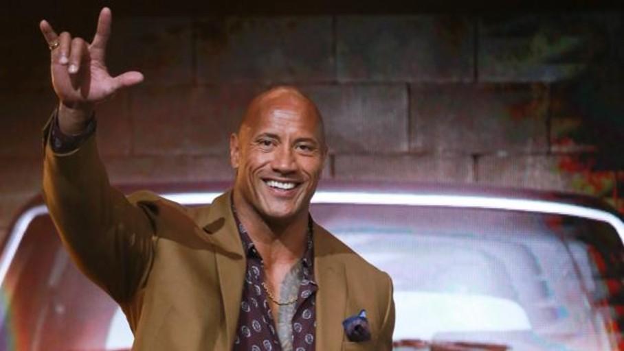 «La roca» escala a la cima de los actores más ricos del año