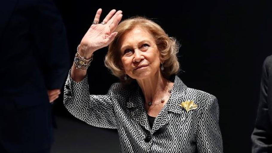Doña Sofía vuelve a poner en pie al Teatro Real