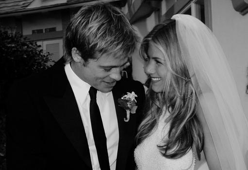 Brad Pitt y Jennifer Aniston el día de su boda, en el año 2000