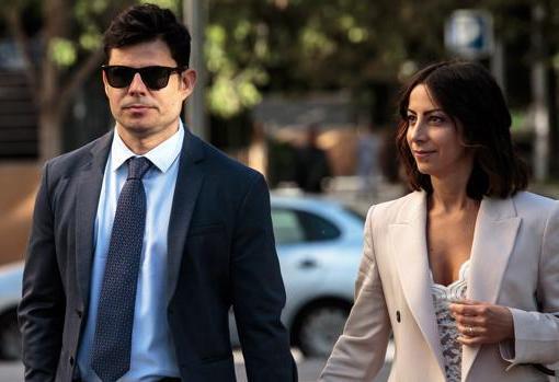 Javier Sánchez Santos y su mujer, Chiara Allegrini