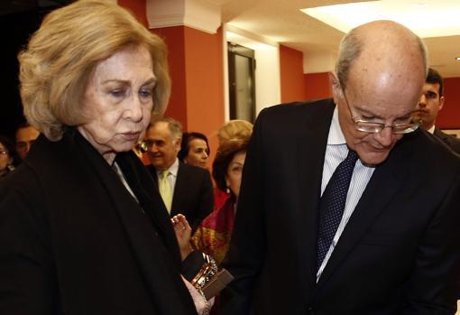Doña Sofía con Costas Stamatópulos
