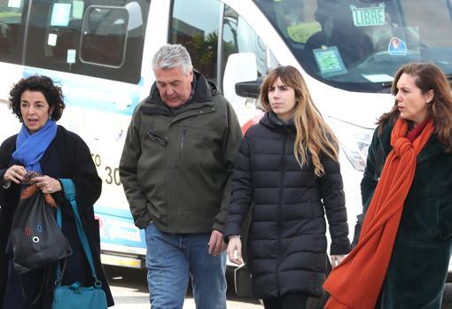 A la izda., Isabel Oliart. Carmela Martínez, la segunda por la derecha