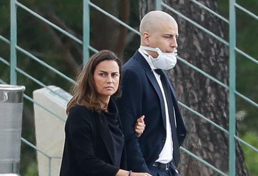 María Palacios y su hermano Borja acuden al entierro de Álex Lequio