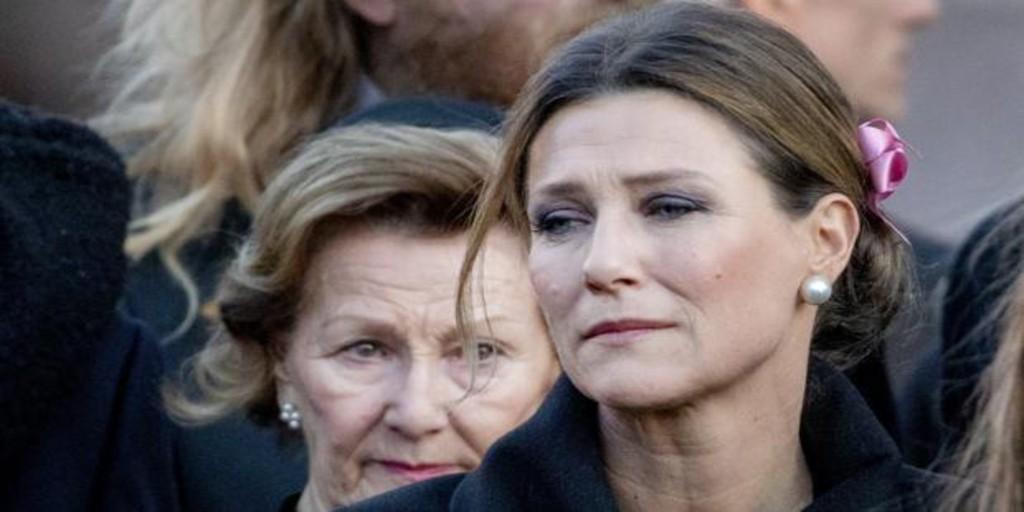 Marta Luisa de Noruega estalla contra los paparazzi tras la muerte de Ari Behn