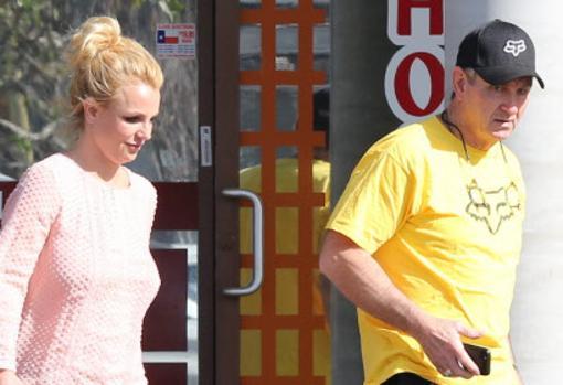 La madre de Britney Spears exige convertirse en la tutora legal de la cantante