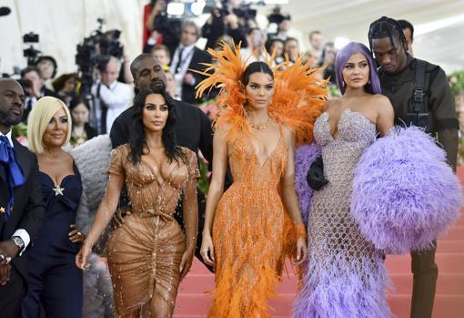 Kris Jenner, Kim Kardashian, Kanye West, Kendall Jenner, Kylie Jenner y Travis Scott
