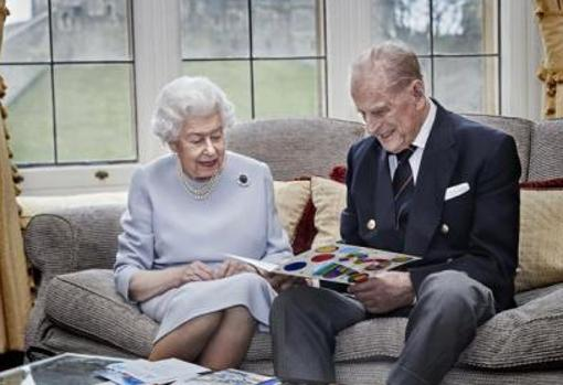 Celebrating 73 years of marriage of Elizabeth II and the Duke of Edinburgh at Windsor Castle