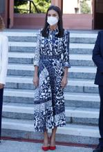 The queen with the Victoria Beckham design