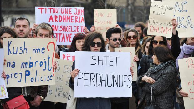 Protestas a lo largo de todo el país por la violación de la menor en Pristina