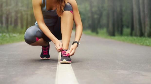 Para que la rutina de ejercicios sea completa se aconseja combinarla con una caminata o un recorrido practicando running