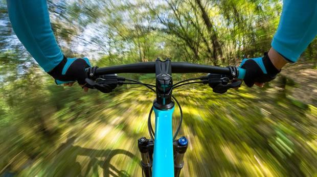 Entrenamiento de bicicleta para bajar de peso