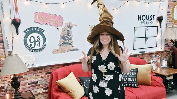 Staci Lamb muestra su clase decorada a lo «Harry Potter»