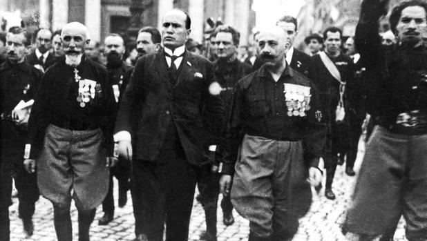Mussolini, a su llegada a Roma el 29 de octubre de 1922
