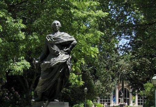 Estatua de Carlos III en el Jardín Botánico de Madrid