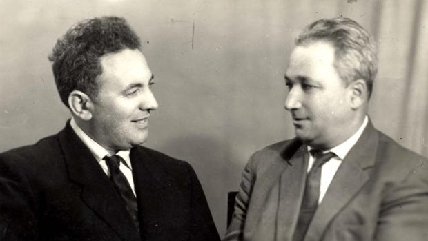 Semion Rosenfeld (izda) el último superviviente de Sobibor, junto a Alexander Pechersky en una imagen de archivo