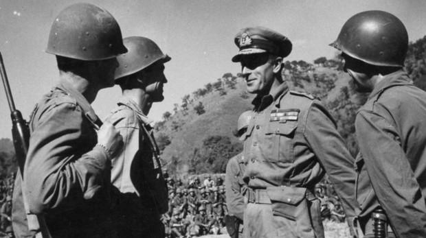 Segunda Guerra Mundial Desvelan El Pasado Oculto Del Gran Heroe Ingles De La Iigm Era Un Homosexual Obsesionado Por Los Ninos