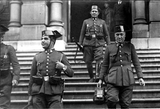 Guardias Civiles, en 1935