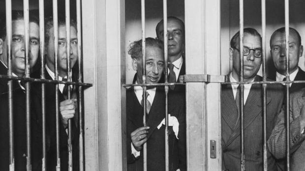 Companys, Tarradellas, Xirau y otros representantes de ERC, entre rejas tras la intentona de aquel octubre de 1934
