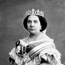 Fotografiada de Isabel II, por J. Laurent hacia 1860.