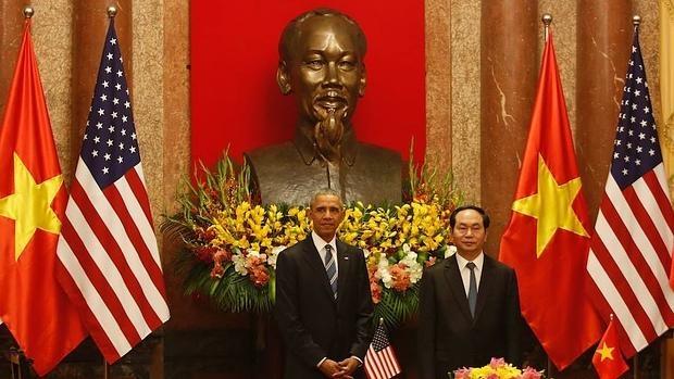 Obama junto a Tran Dai Quang, presidente de Vietnam