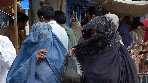 Proponen una ley en Pakistán que permita golpear «ligeramente» a ...