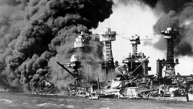 Buques estadounidenses, tras el ataque japonés en Pearl Harbor