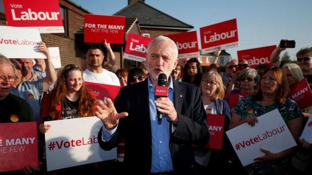 Jeremy Corbyn, durante un acto electoral este miércoles en Rotherham,