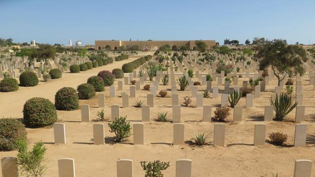 Cementerio en la localidad de El Alamein, donde están enterrados unos 8.000 uniformados británicos