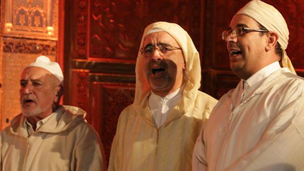 Participantes de un congreso sufí en la ciudad marroquí de Fez