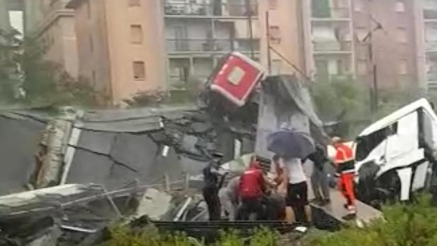 Accidente puente Génova: Al menos 29 muertos al desplomarse el puente de una autopista en Génova