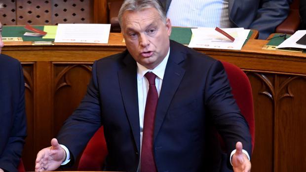 El primer ministro húngaro durante la sesión del Parlamento