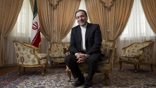 El número dos de la diplomacia iraní, Seyyed Abbas Araghchi, recibe a ABC en la Embajada en Madrid