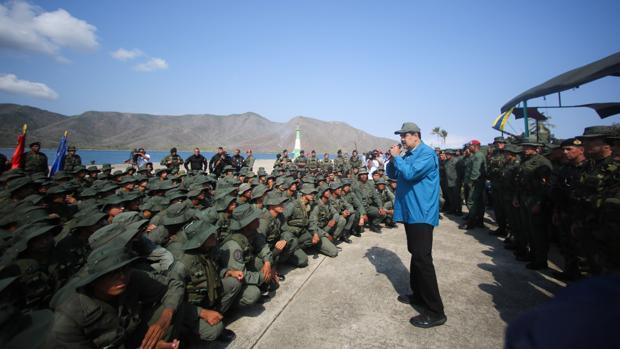 Maduro supervisa ejercicios militares en la Base Naval de Turiamo y pide a los militares cuidar la unión y lealtad la Fuerza Armada Nacional en los próximos días