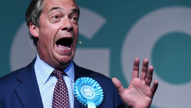 Nigel Farage, líder del Partido del Brexit, durante un acto de campaña en Londres