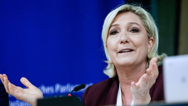Marine Le Pen, durante una rueda de prensa en el Parlamento Europeo este jueves