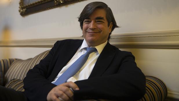 El periodista y escritor peruano Jaime Bayly posa para ABC antes de la entrevista en Madrid