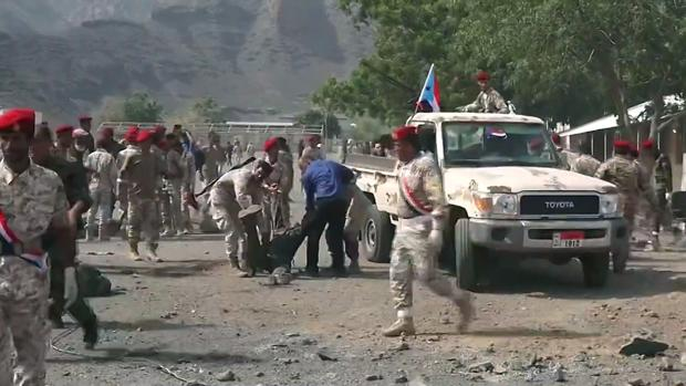 El desfile militar, instantes después del ataque