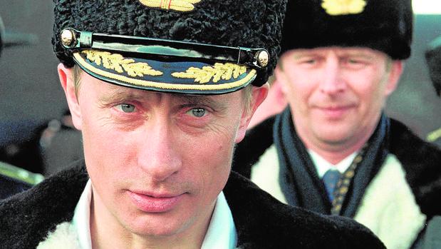 El presidente Putin en unas maniobras en el año 2000
