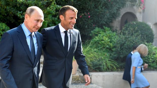 Putin espera de Macron un «talante nuevo» respecto a Rusia