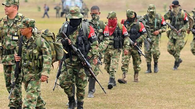 Guerrilleros del ELN en la frontera colombo-venezolana