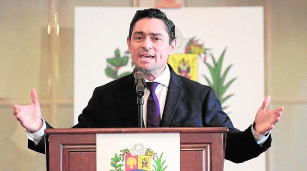 El régimen de Maduro allana la casa del embajador de venezolano en EE.UU.