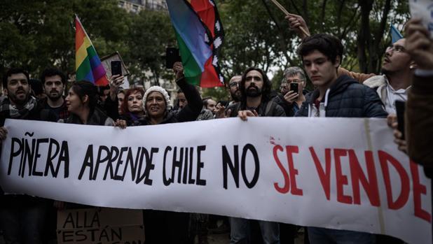 Los violentos no ceden en Chile pese a las medidas de Piñera
