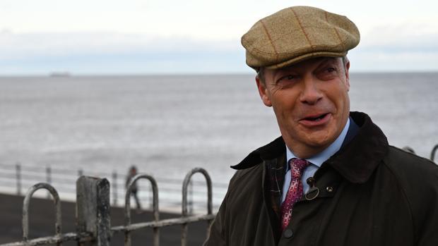 Farage no presentará candidatos en los escaños ganados por el Partido Conservador en 2017